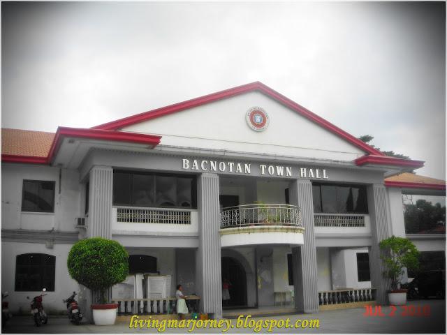 Bacnotan Town Hall