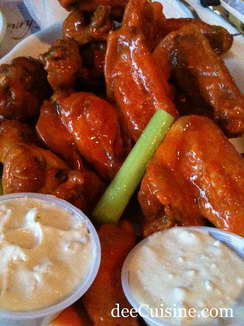 Hot Wings @ Candlelight Inn