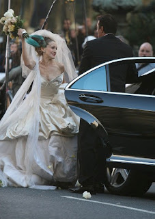 Carrie Bradshaw Wedding Dress S Out In Hours