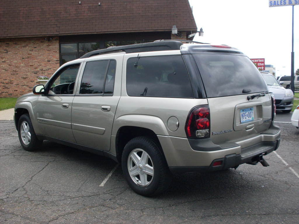 Ride Auto: 2002 Chevrolet Trailblazer LTZ