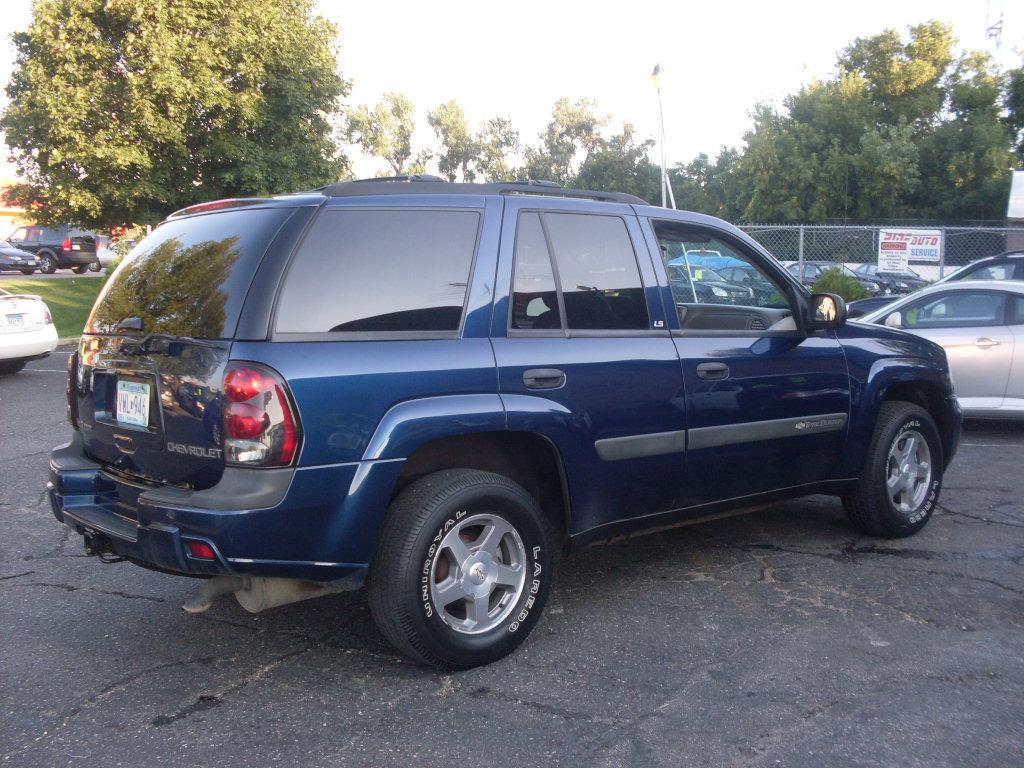 Ride Auto: 2004 Chevy Trail Blazer LS 4X4 130k Miles
