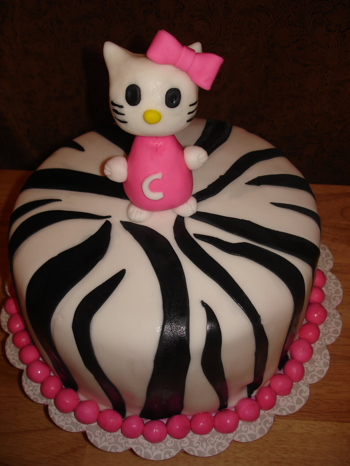 The Confectionist: Hello Kitty Zebra Cake