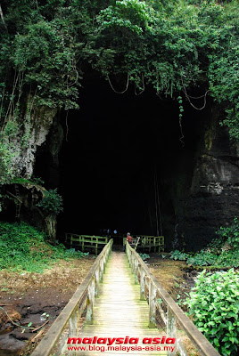 Photo of Gomantong Cave Entrance