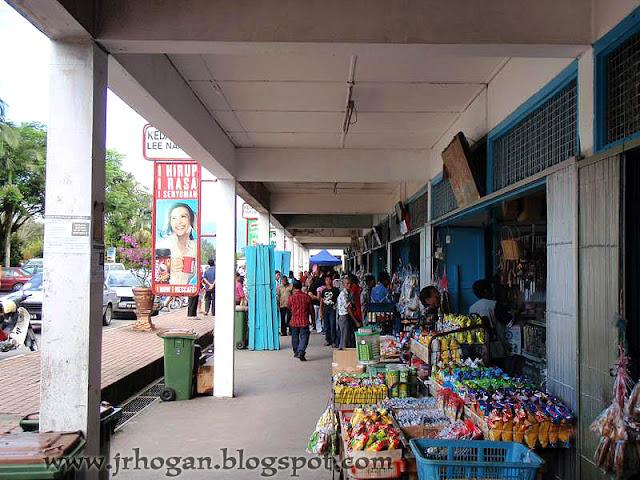 Shops at Lachau Town
