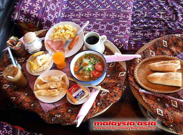 Lao breakfast