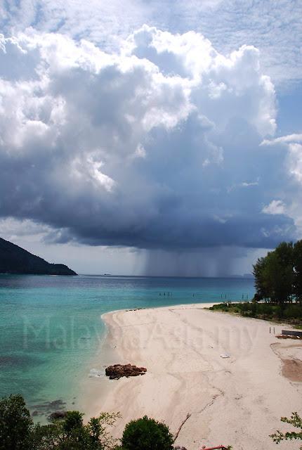 Photo of Ko Lipe Beach, Sun and Rain