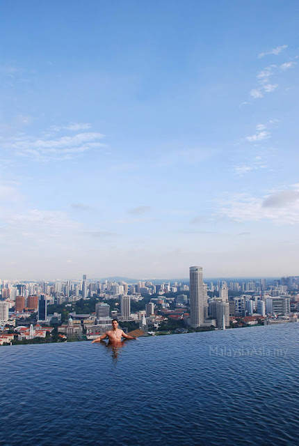 Marina Bay Sands Infinity Swimming Pool