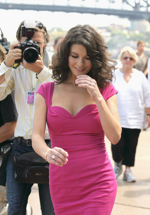 Todays stars finest images (18 images) - Famous Nipple