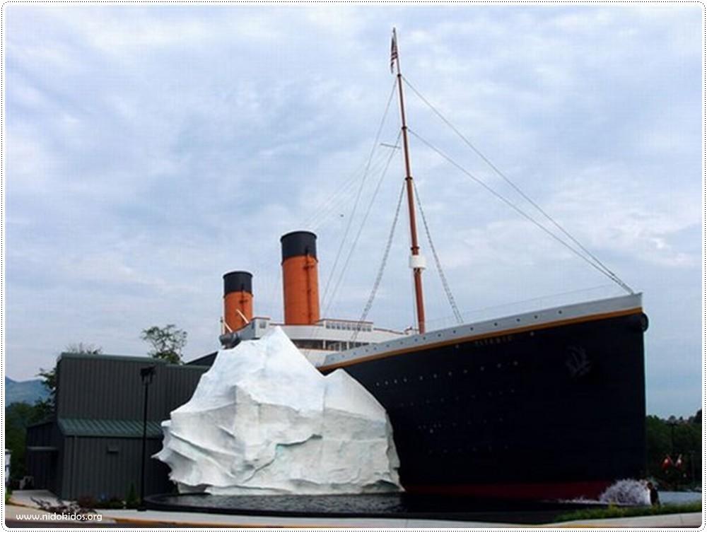 Big Pictures: titanic museum 01