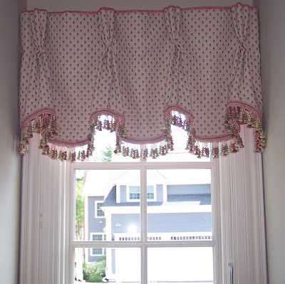 A Seat at the Window: Queen Anne Valances