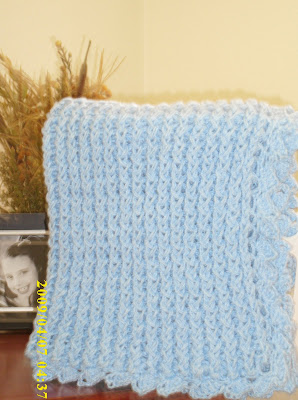 Angela's Soliloquy: Loom Knitting - Baby Blanket