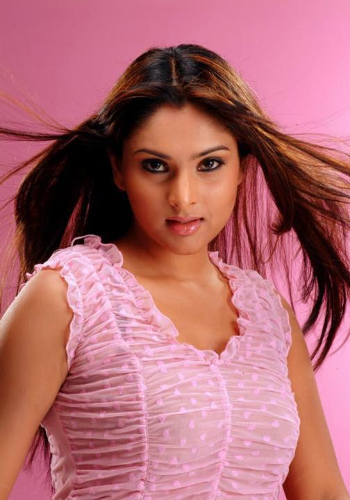 Najnovejša fotogalerija Kannada Igralka Ramya Vroče in seksi-4198