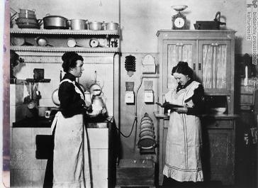 La cocina seg n ereaga la cocina retro for Enseres para cocina