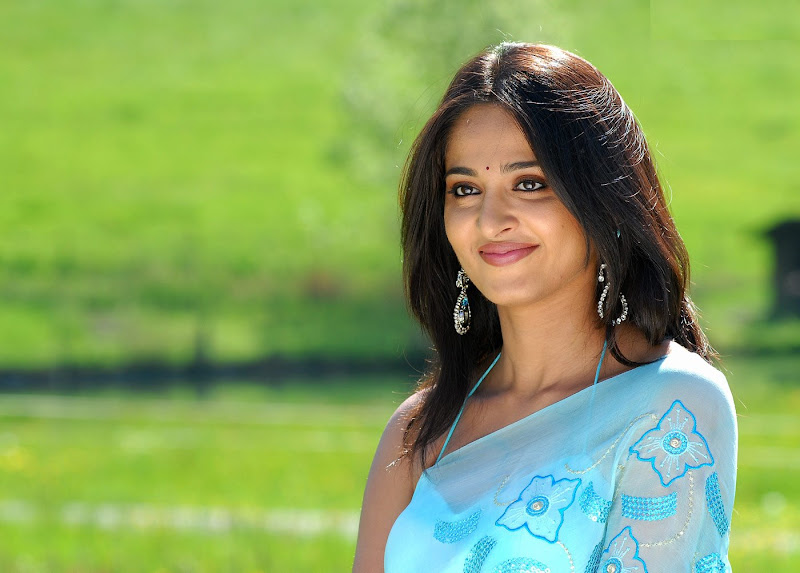 Anushka Shetty High Quality Photos Wallpapers Gallery - 3