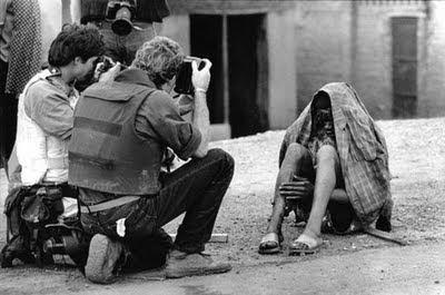 dichters dansen niet the shiver of truth photographers in  the shiver of truth photographers in wartime essay