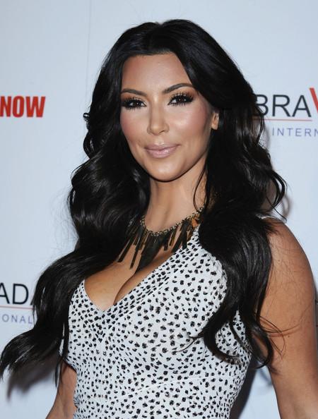 KreativeMix: Kim Kardashian flaunts her curves in another ...