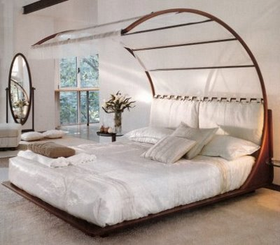 Interior design musings design series tuesdays canopy - Canopy bed decorating ideas ...