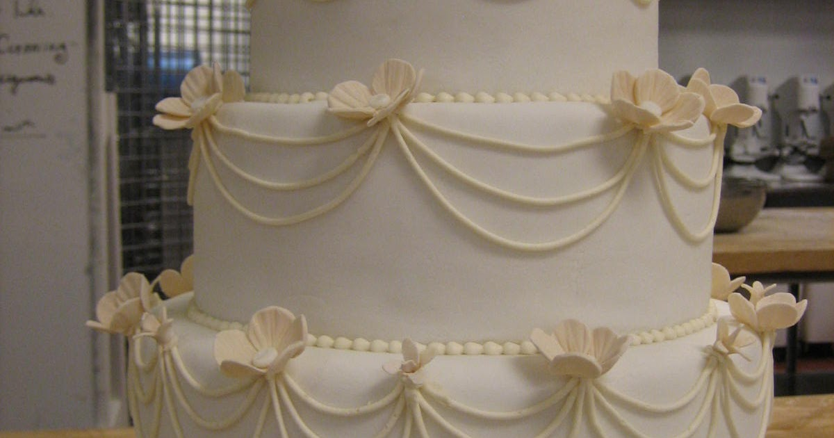 traditional english wedding cake baking the grade a traditional wedding cake 21132