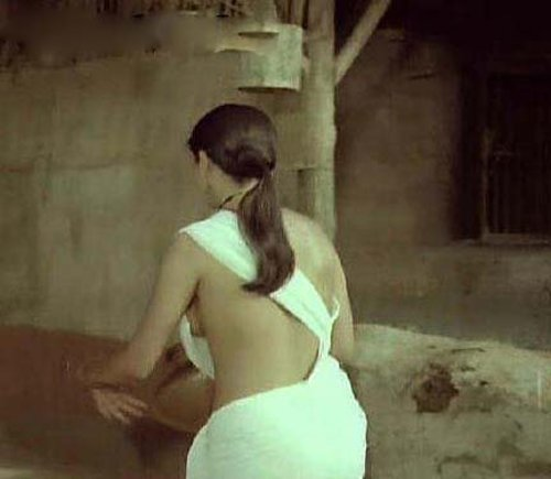 Sexy photos of zeenat aman