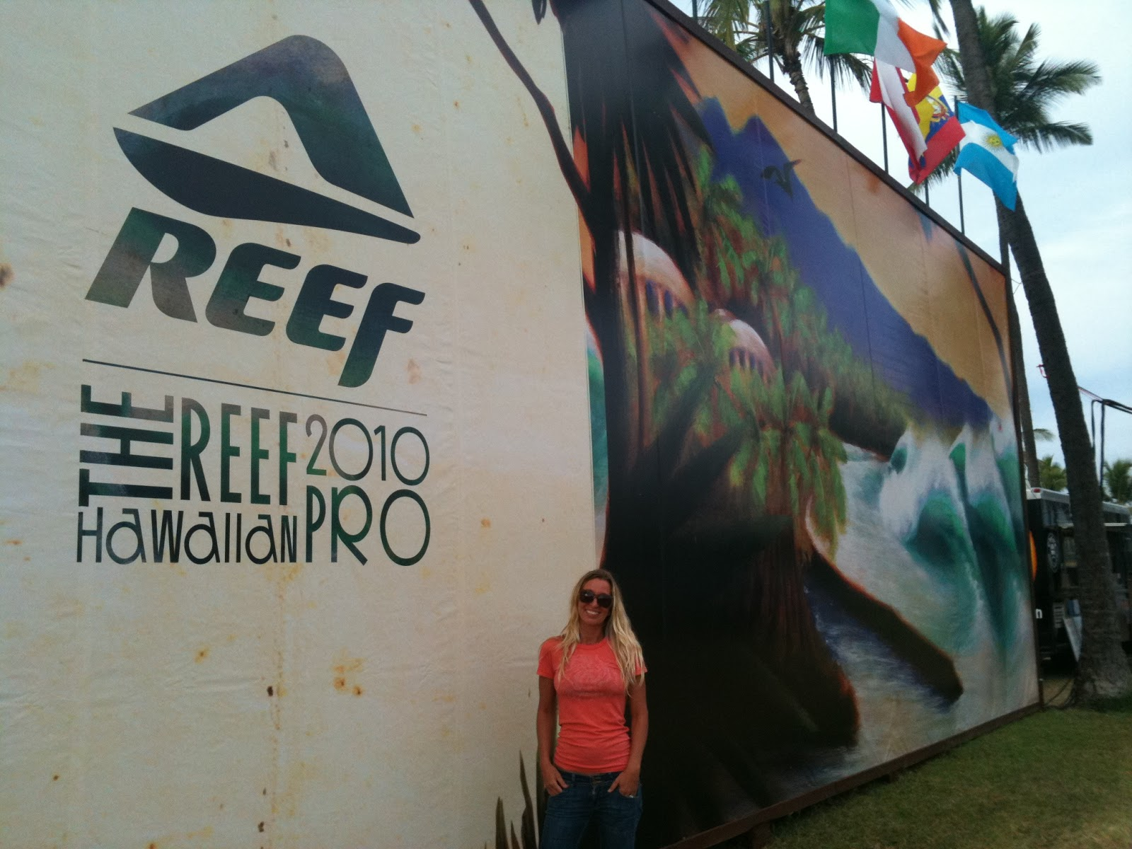 d91579cb3b North Shore Oahu Surf Artist Heather Brown at the 2010 Reef Haleiwa Pro