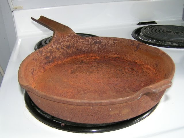 cast iron frying pan curious reconditioning a cast iron frying pan 29356