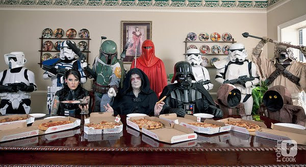 A rendition of Remembrandt's The Last Supper, using characters from Star Wars.