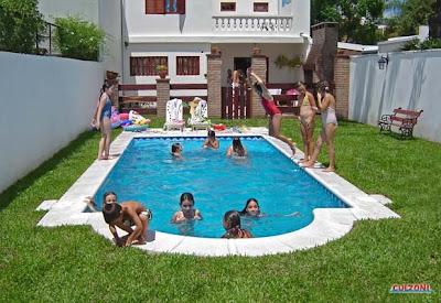 Piscinas peruanas piscina con iluminacion sub acuatica for Iluminacion piscinas