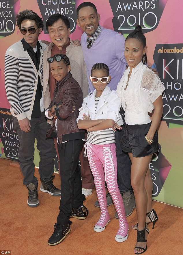 Socialismo teatro Susurro  fashion life styles: WOULD YOU WEAR?: Willow Smith's Converse Sneaker Pants