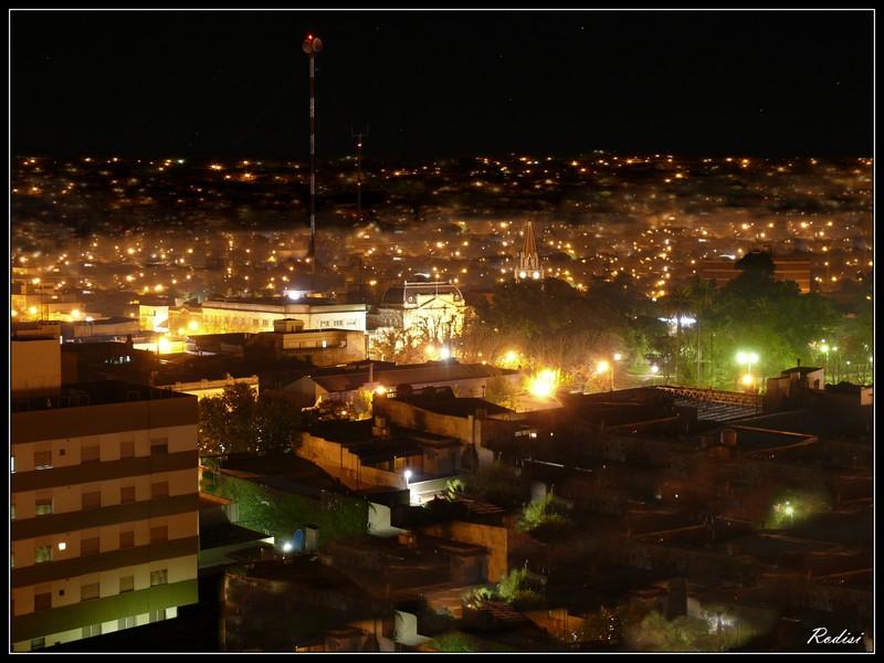 R O D I S I Noche Urbana