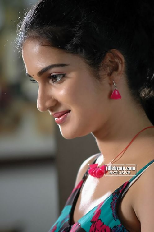 South Indian Hot Actress Honey Rose In More Sexy -5712