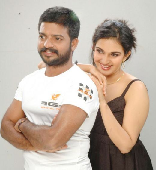 Honey Rose Romancing And Kissing Hot Image Gallery