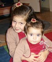 Irene y Laura con mis FLORES
