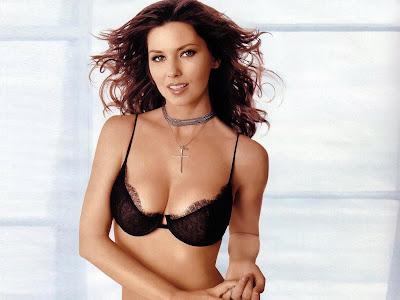 Hot Babe Shania Twain Compulsory To See Sizzling Images