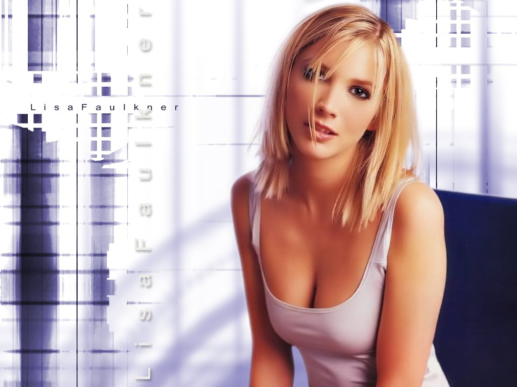 Hot Actress Stills Lisa Faulkner Hot And Romantic -4805