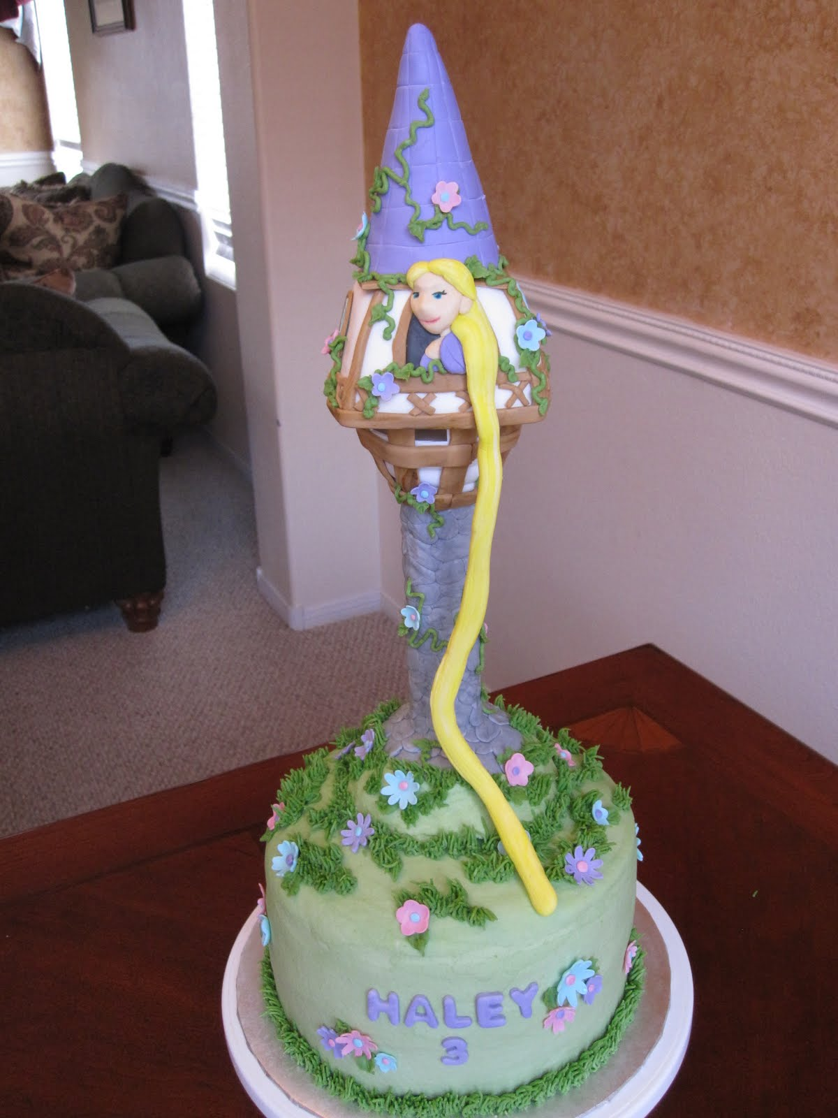 "Gorgeous Tangled Themed Guest Rooms At Tokyo Disneyland: Ms. Cakes: Rapunzel ""Tangled"" Cake"