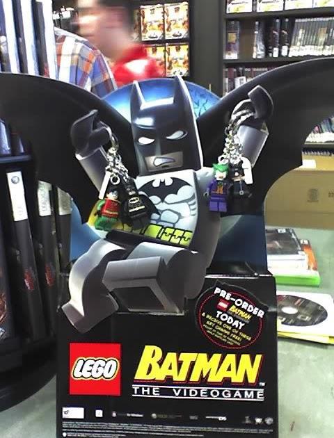 electric goldfish: Lego Batman Keychain Promo