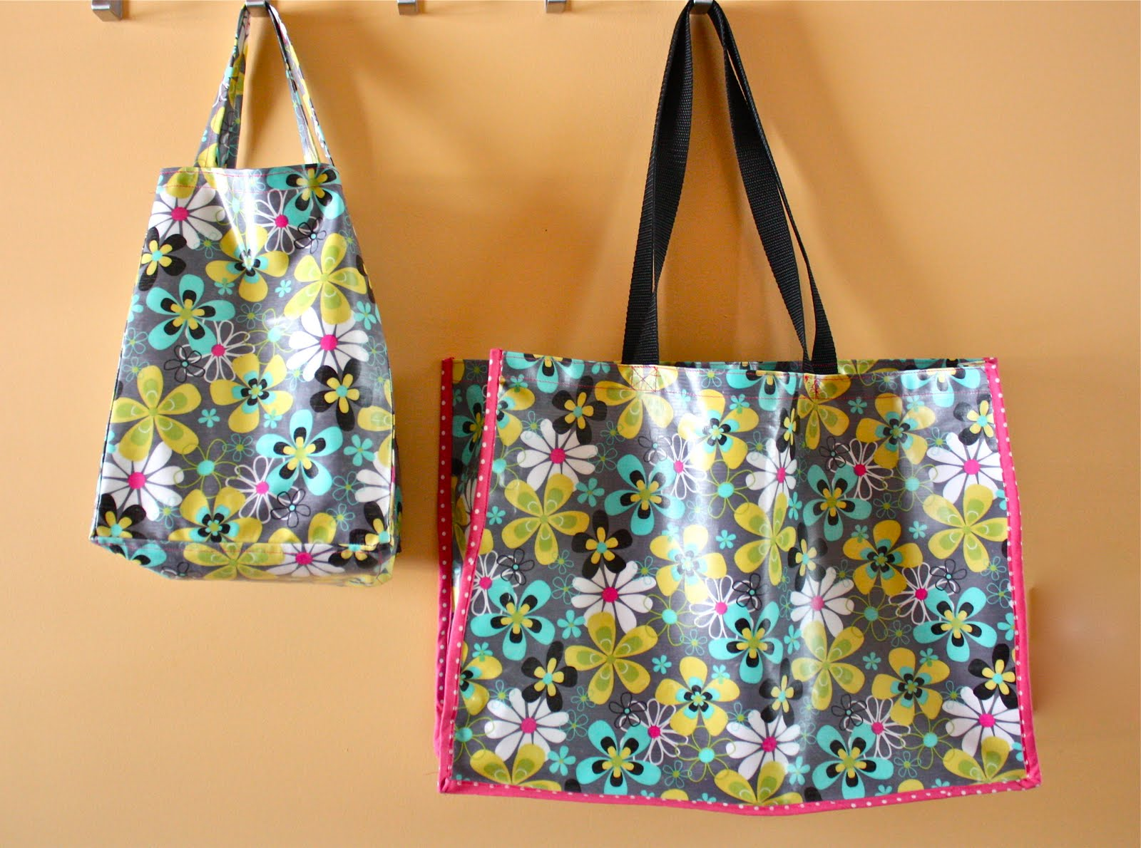 Zaaberry Oilcloth Tote And Lunch Bag Set
