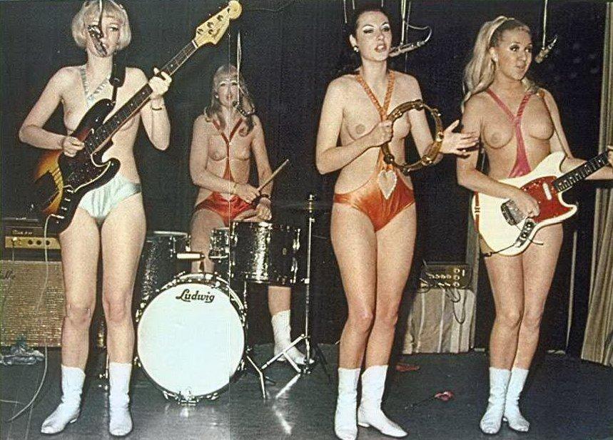Ellen piss marching band girls porn big