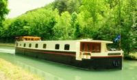 Cruise Burgundy France aboard the French Hotel Barge SAVOIR VIVRE with ParadiseConnections.com