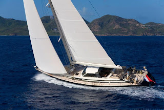 Charter yacht ICARUS with ParadiseConnections.com