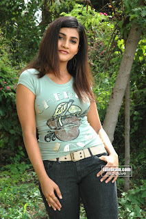 Hot Telegu Actress Kausha Gallery