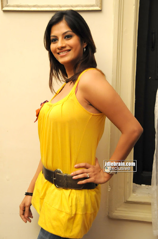 Sindhu Tolani Hot Pictures In Yellow Dress