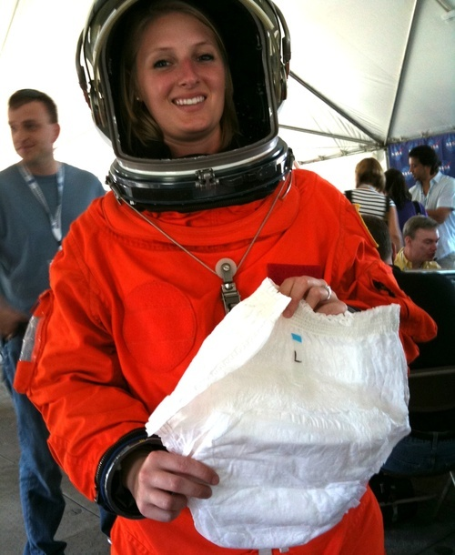 ! ComeAtMeBro-Daily tech news: Why Do Astronauts Wear ...
