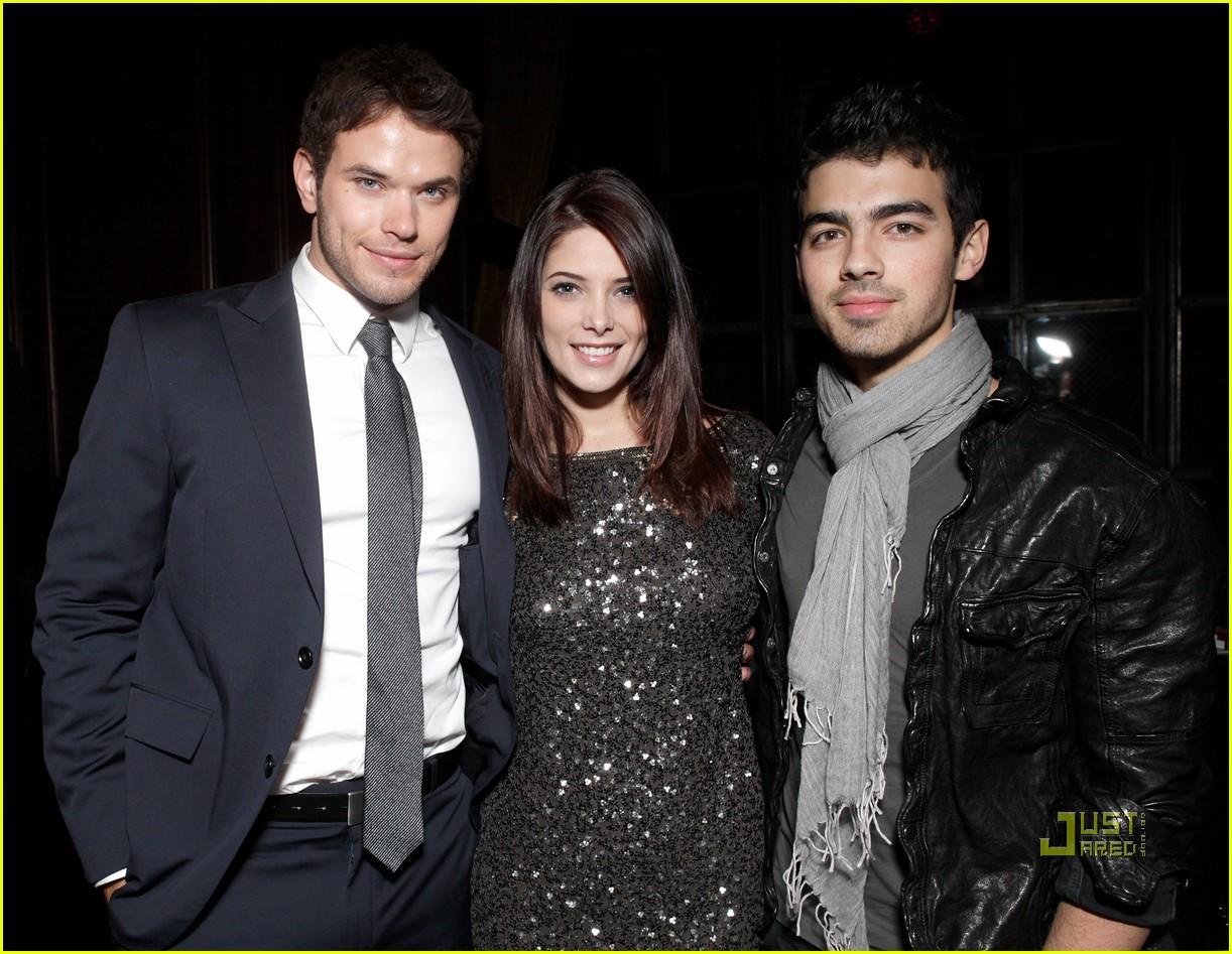 Joe Jonas And Ashley Greene Party With Kellan Lutz