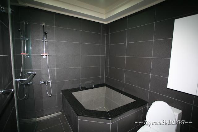 米思特雷門: 關於浴室的磁磚及馬桶