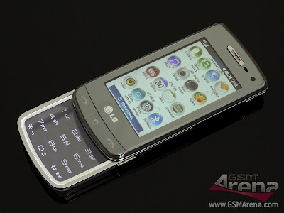 The+handset+looks+pretty+cool+despite+its+all-plastic+construction+2.jpg
