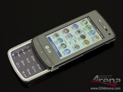 The+handset+looks+pretty+cool+despite+its+all-plastic+construction+2.jpg
