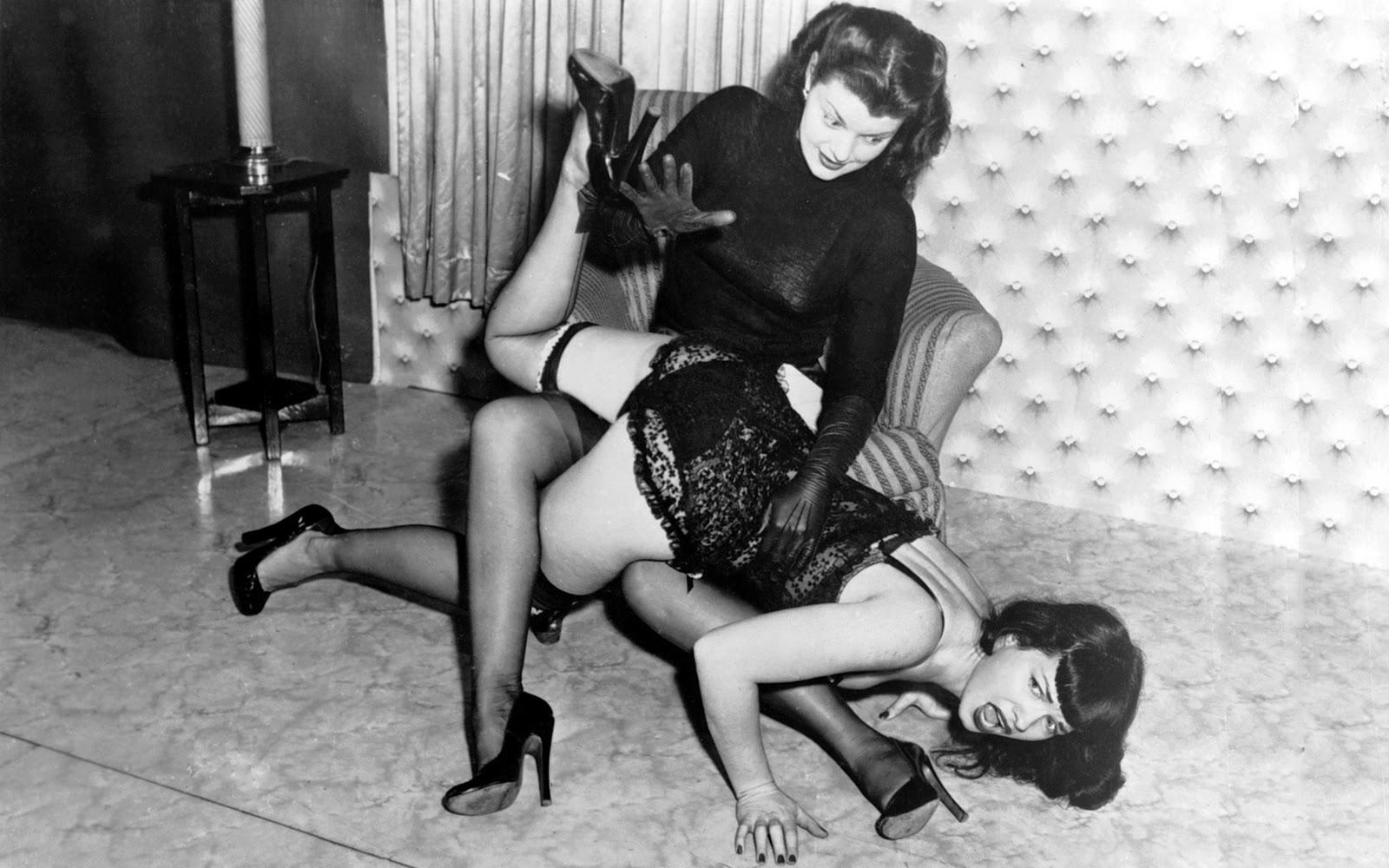 Girl tries ejaculating dildo
