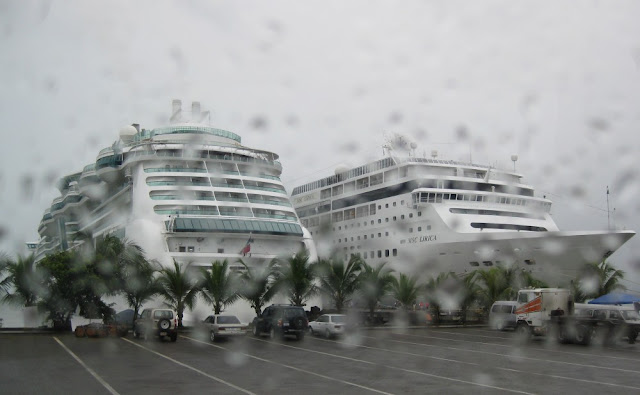 Jewel of the Seas und MSC Lirica in Costa Rica, Hafen Puerto Limón