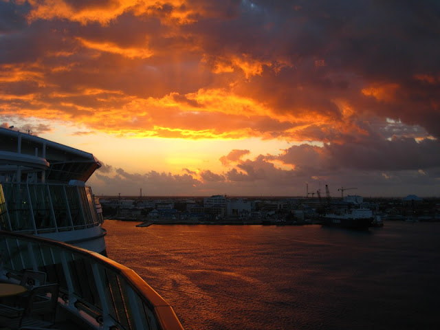 Sonnenaufgang vor Grand Cayman